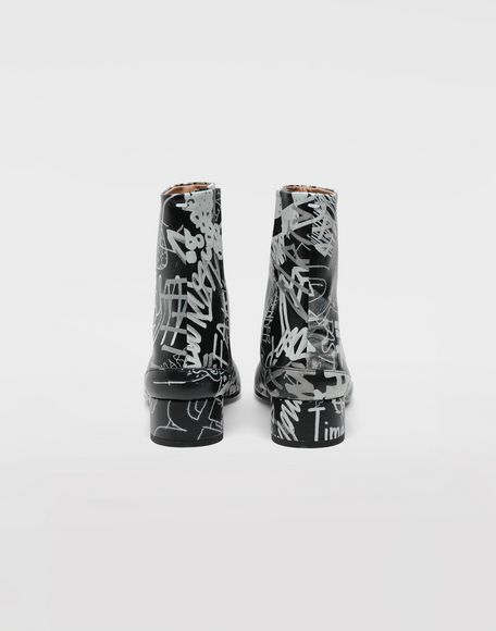 MAISON MARGIELA Graffiti Tabi boots Tabi boots & Ankle boots Woman e