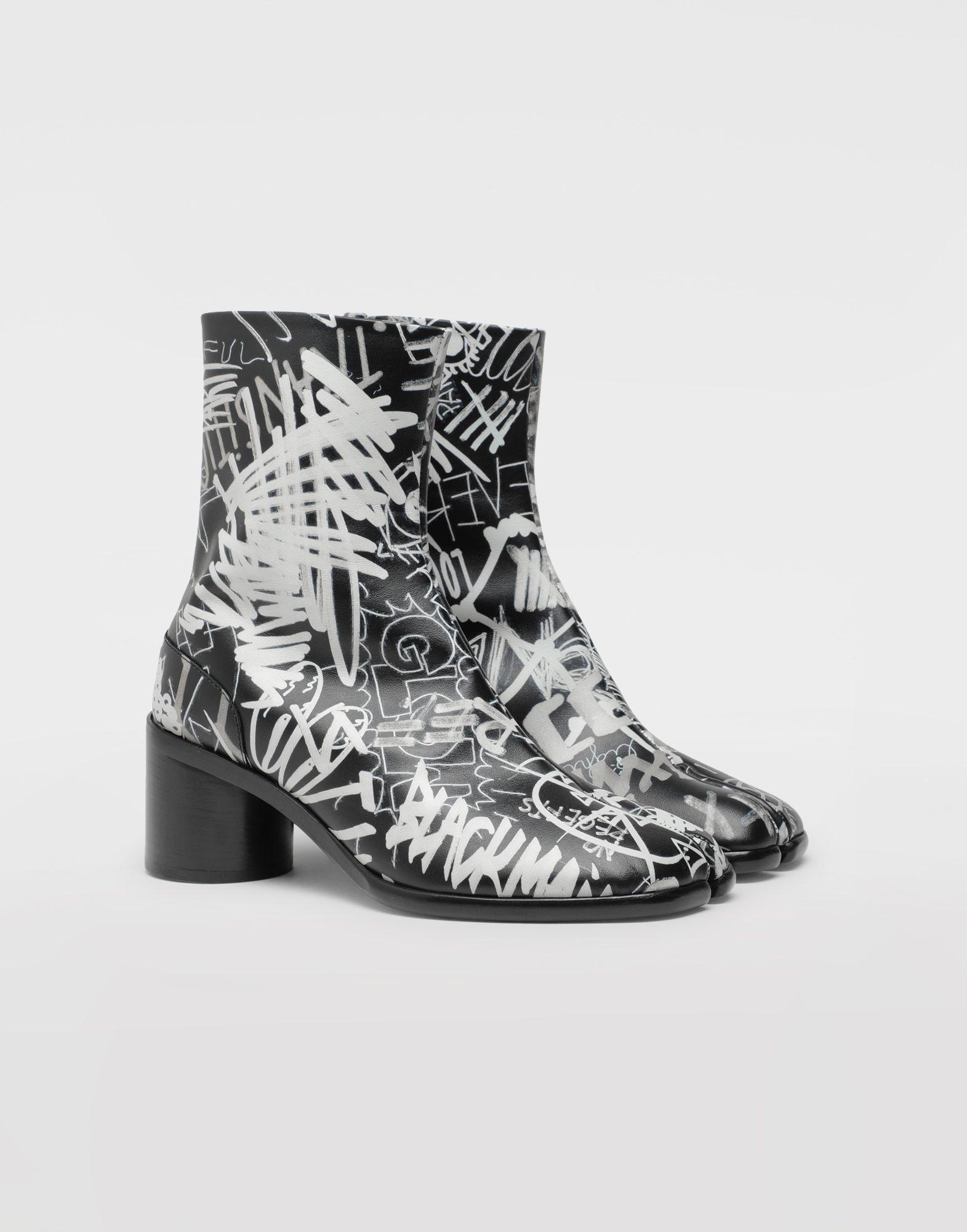MAISON MARGIELA Graffiti Tabi boots Tabi boots & Ankle boots Man d