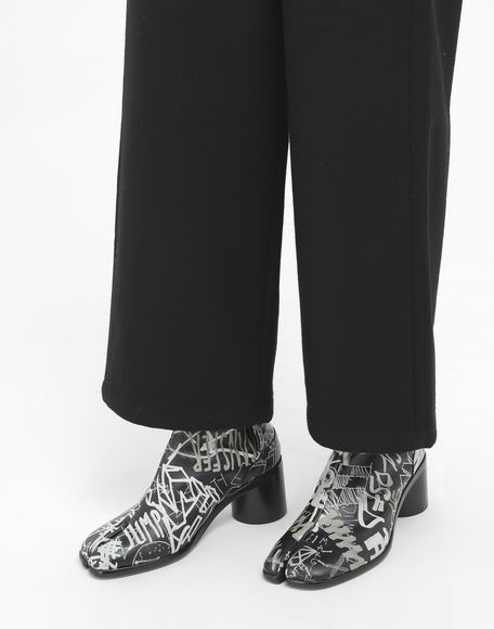 MAISON MARGIELA Graffiti Tabi boots Tabi boots & Ankle boots Man r