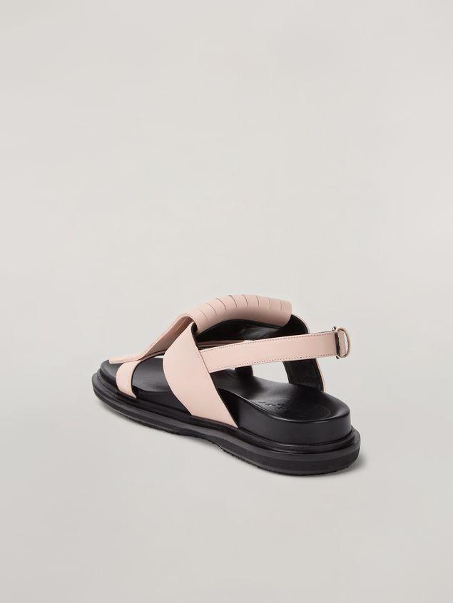 Marni Fringed fussbett in calfskin pink Woman
