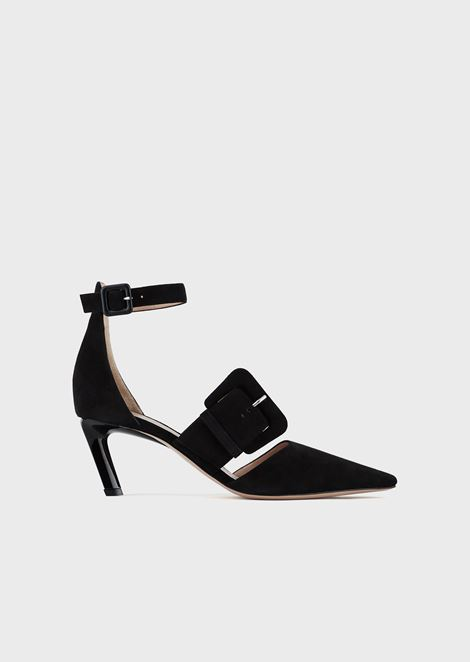 Suede court shoes with asymmetric heel