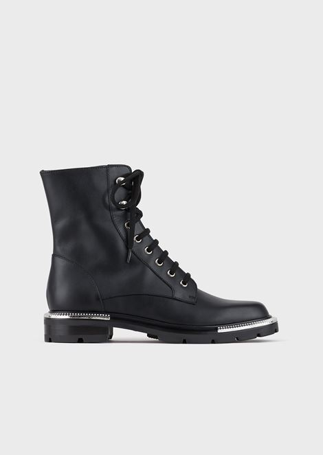 Opaque leather biker boots with pleated metal details