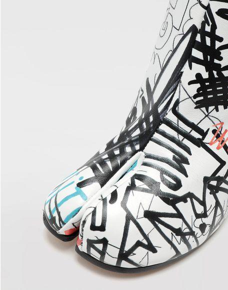 MAISON MARGIELA Graffiti Tabi boots Tabi boots & Ankle boots Woman a