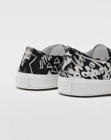 SHOES Graffiti Tabi sneakers Black