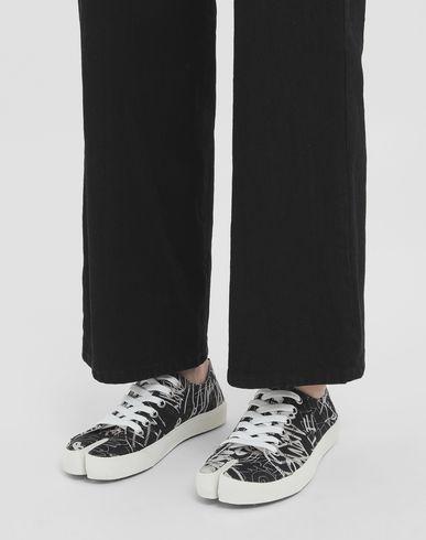 """MAISON MARGIELA Sneakers Tabi Для Женщин Кеды с принтом """"Граффити"""" r"""