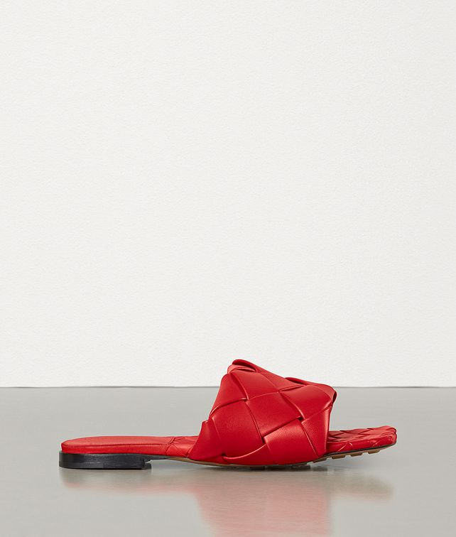 BOTTEGA VENETA BV LIDO FLAT SANDALS Sandals [*** pickupInStoreShippingNotGuaranteed_info ***] fp