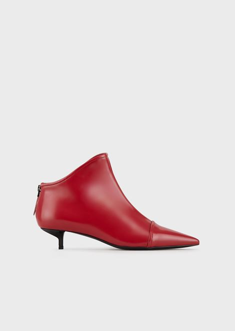 High-heeled, pointed-toe ankle boots in eco patent leather