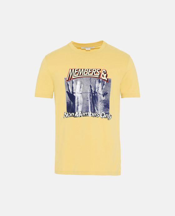 黄色印纹 T 恤