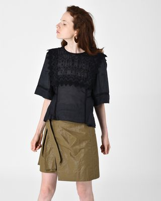 NESTO short sleeved embroidered top