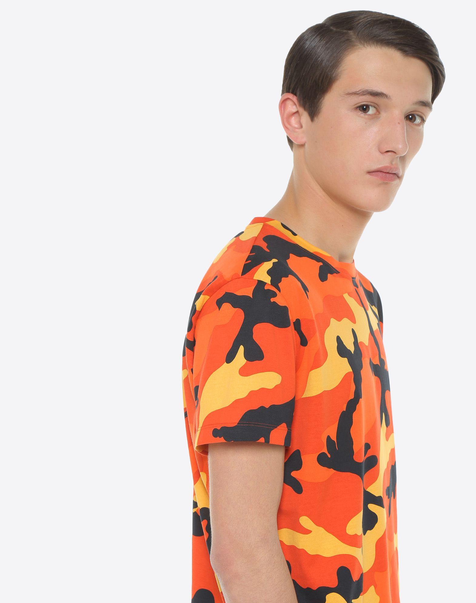 VALENTINO Camouflage-print T-shirt T-shirt U a