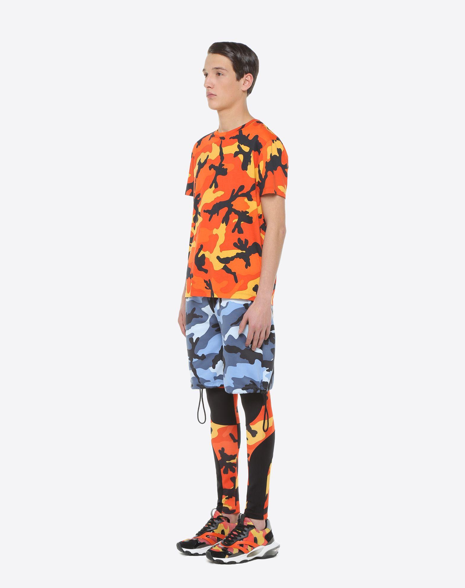VALENTINO Camouflage-print T-shirt T-shirt U d