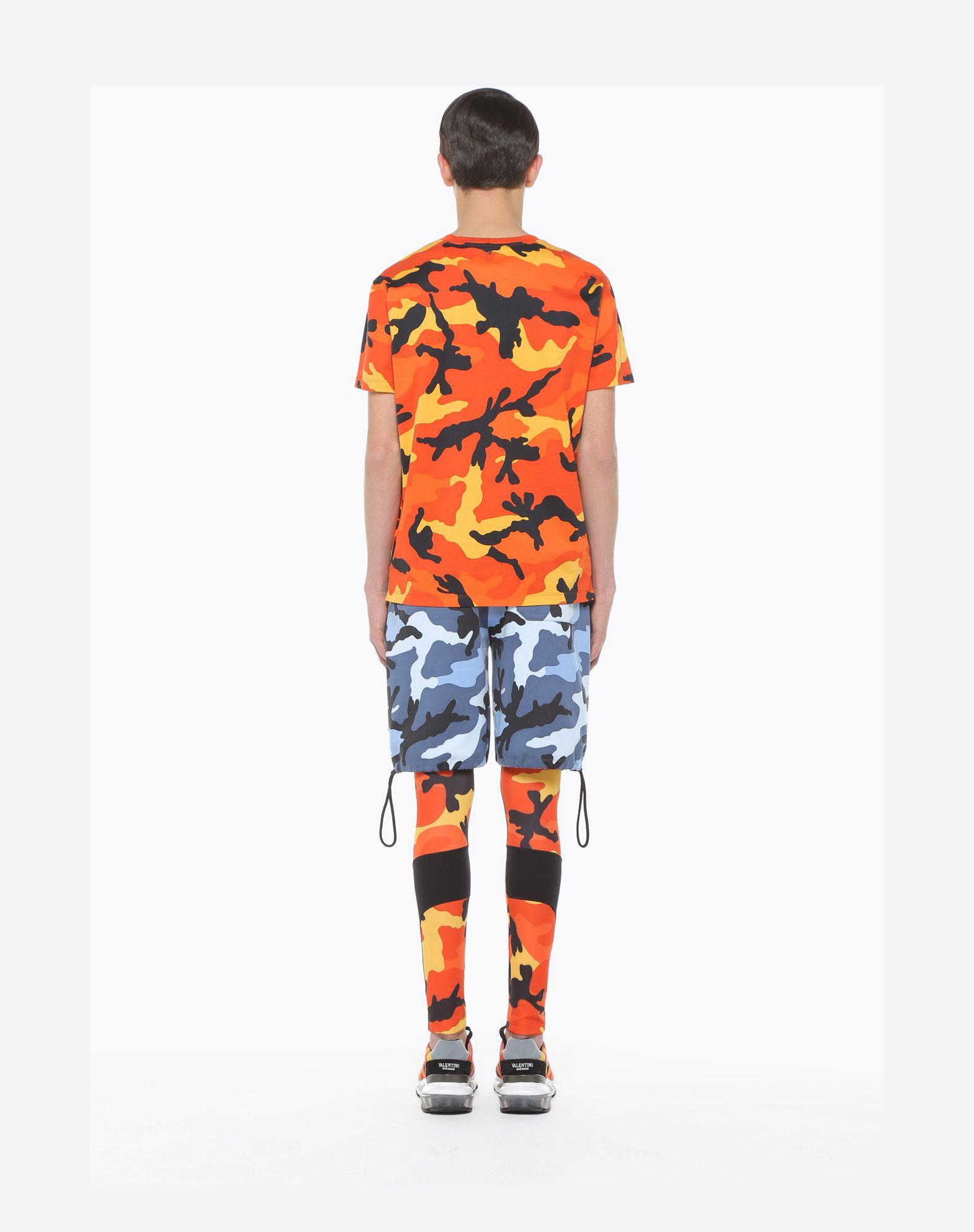 VALENTINO Camouflage-print T-shirt T-shirt U e
