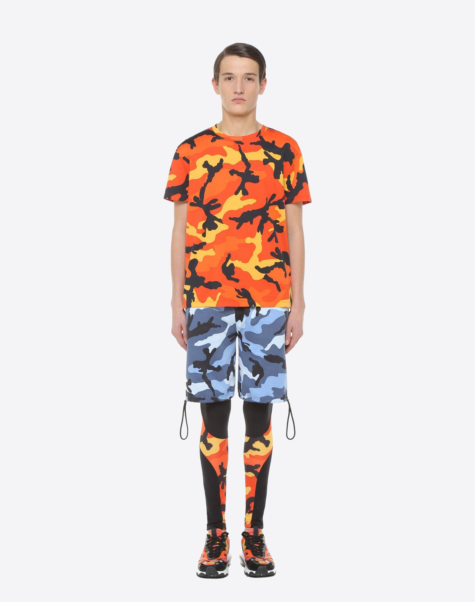 VALENTINO Camouflage-print T-shirt T-shirt U r