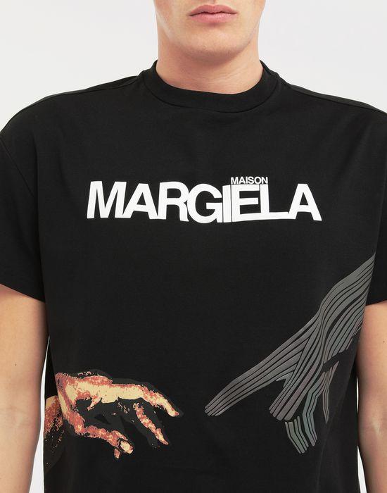 MAISON MARGIELA Graphic logo print T-shirt T-shirt manches courtes [*** pickupInStoreShippingNotGuaranteed_info ***] a
