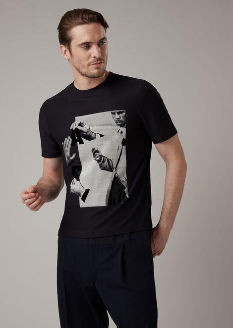 反平针织平纹布 T 恤,饰以雪尼尔刺绣