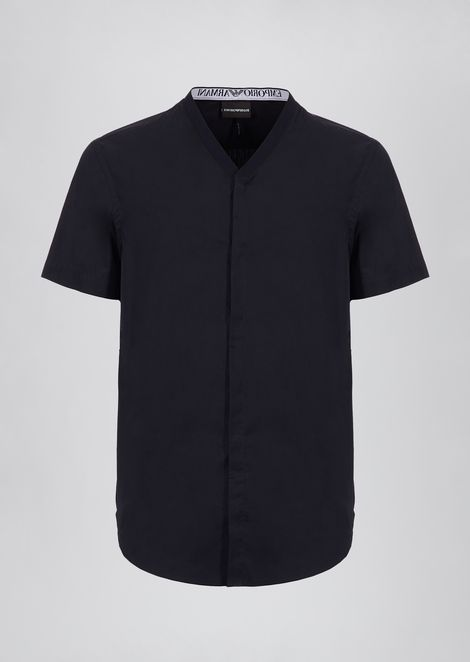 Short-sleeved poplin cotton shirt with logo on the back of the collar