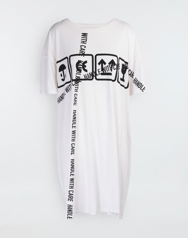 MAISON MARGIELA Carton-print oversized T-Shirt Short sleeve t-shirt Woman f