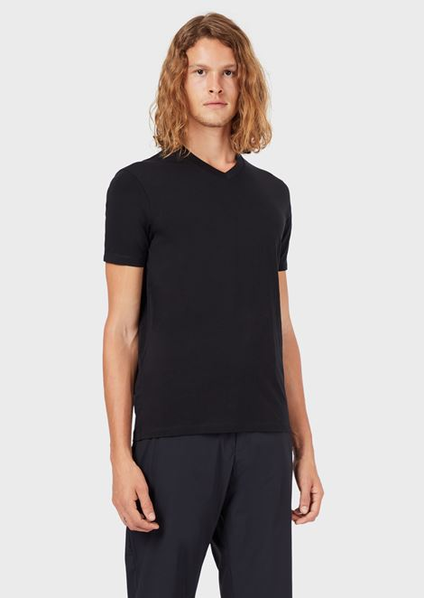 Essential Travel T-shirt with V-neck