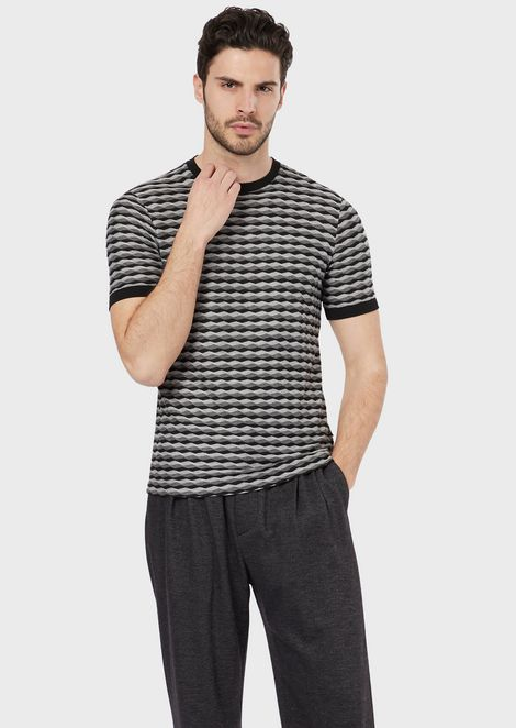 T-shirt in horizontal wave fabric