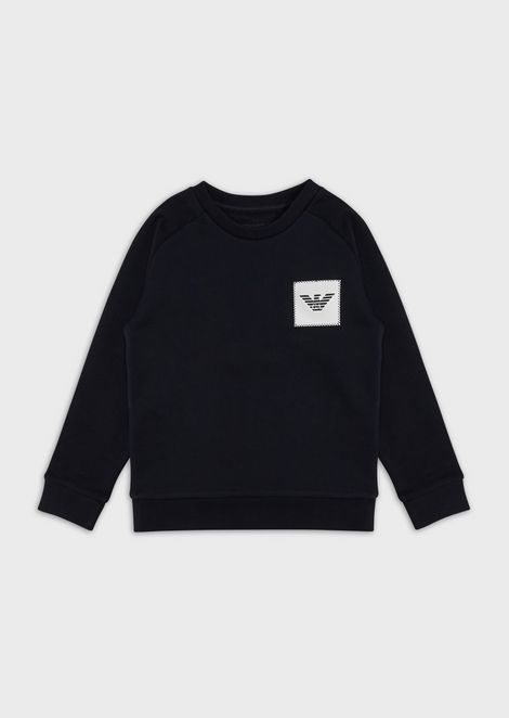 Sweatshirt with logo patch