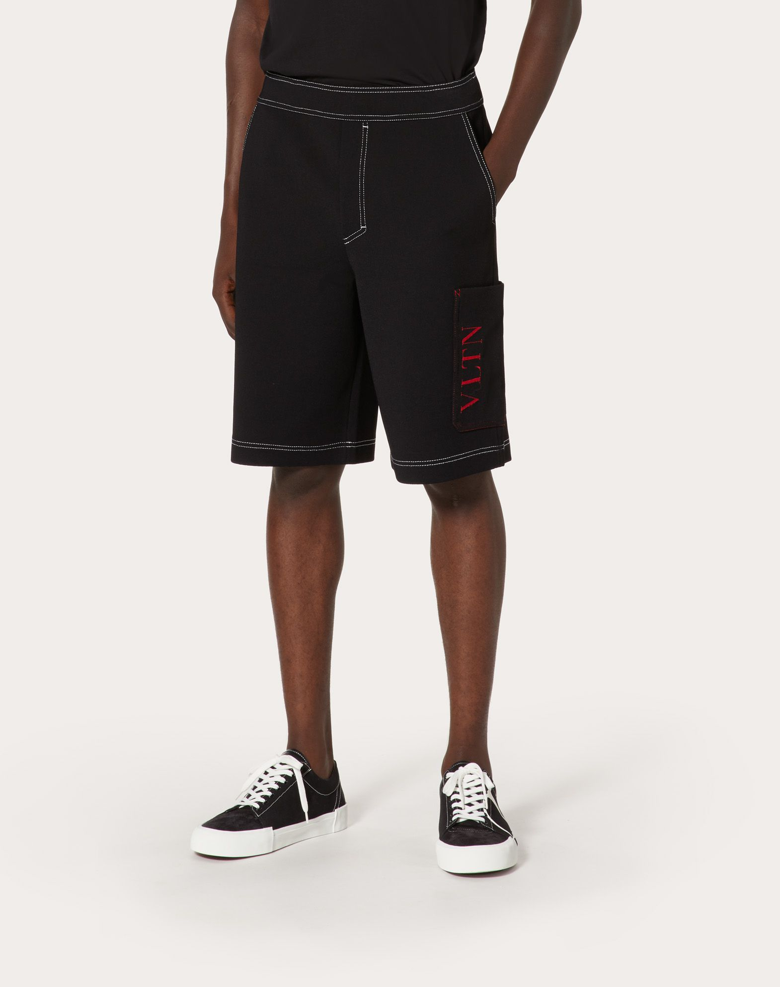 VALENTINO UOMO Cropped knit trousers with VLTN logo Shorts U d