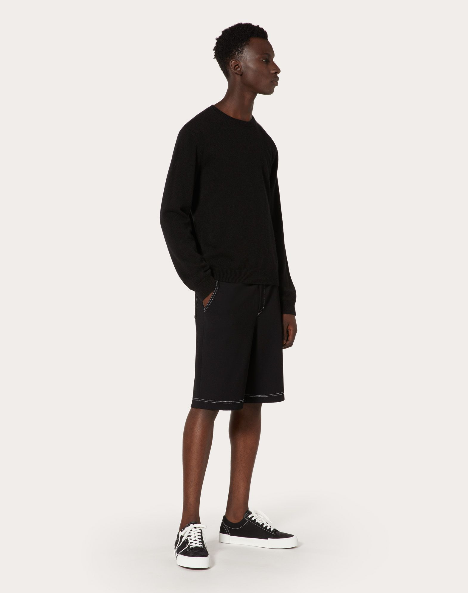 VALENTINO UOMO Cropped knit trousers with VLTN logo Shorts U r