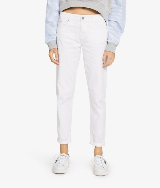 KARL LAGERFELD Distressed Girlfriend Denim 12_f