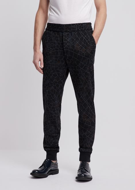 Jogging pants in jersey with geometric pattern