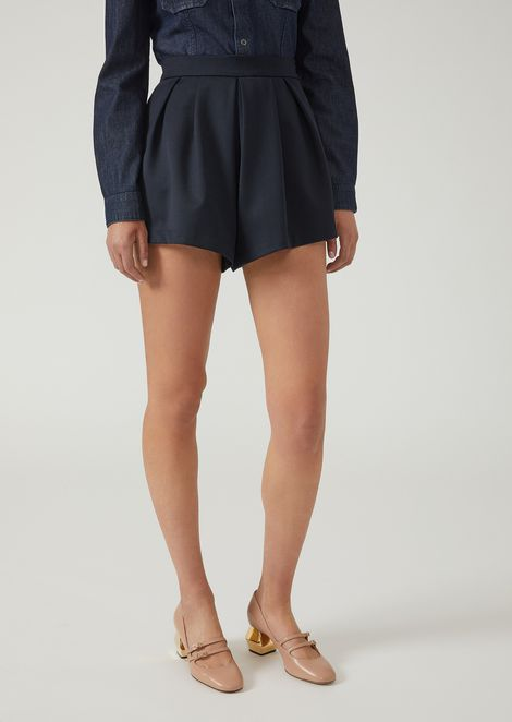 Pantalones cortos de gabardina de algodón con pinzas en la parte delantera