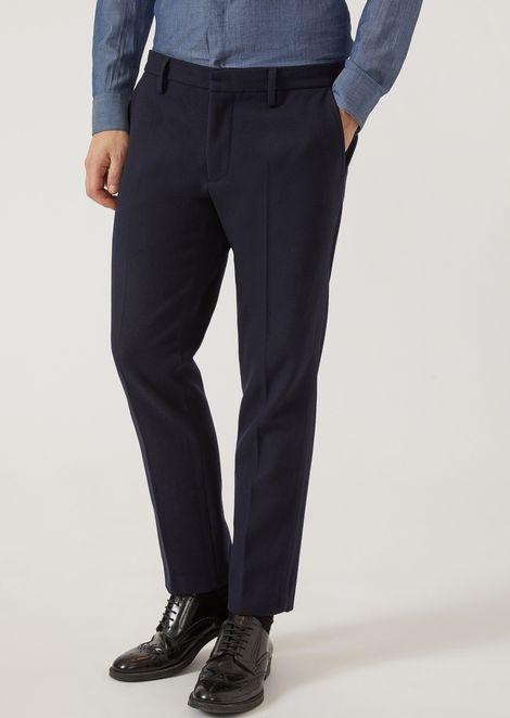 Pantalon classique avec pli marqué