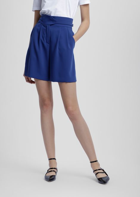 Crepe shorts with belt and buckles on the sides