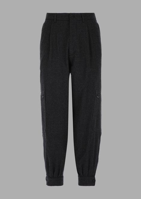 Pantaloni over con tasca sulla gamba in flanella di lana tumblerata