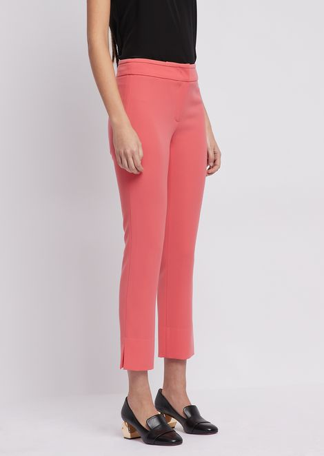 Cropped pants in polyester with slit at ankle hem