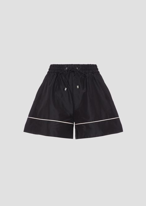 Tech fabric shorts with contrasting piping