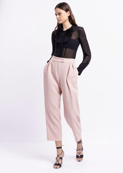 Pants with pleats in technical crepe fabric