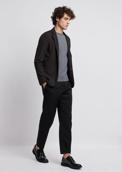 Pantalones en gabardina de lana ligera con pinzas