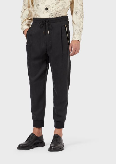 Jogging pants in enzyme-treated technical twill with contrasting hem