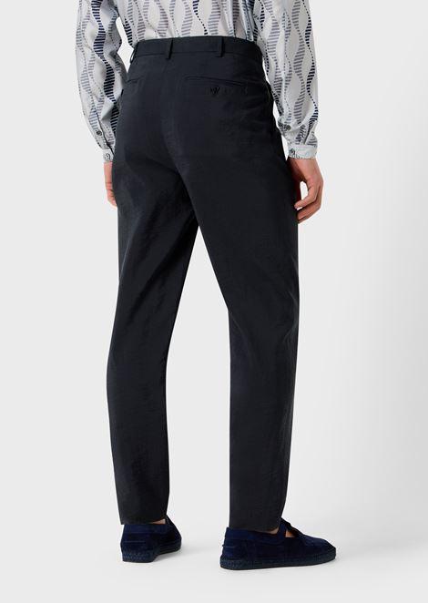 Pantalones con pinzas de sarga mixta de seda