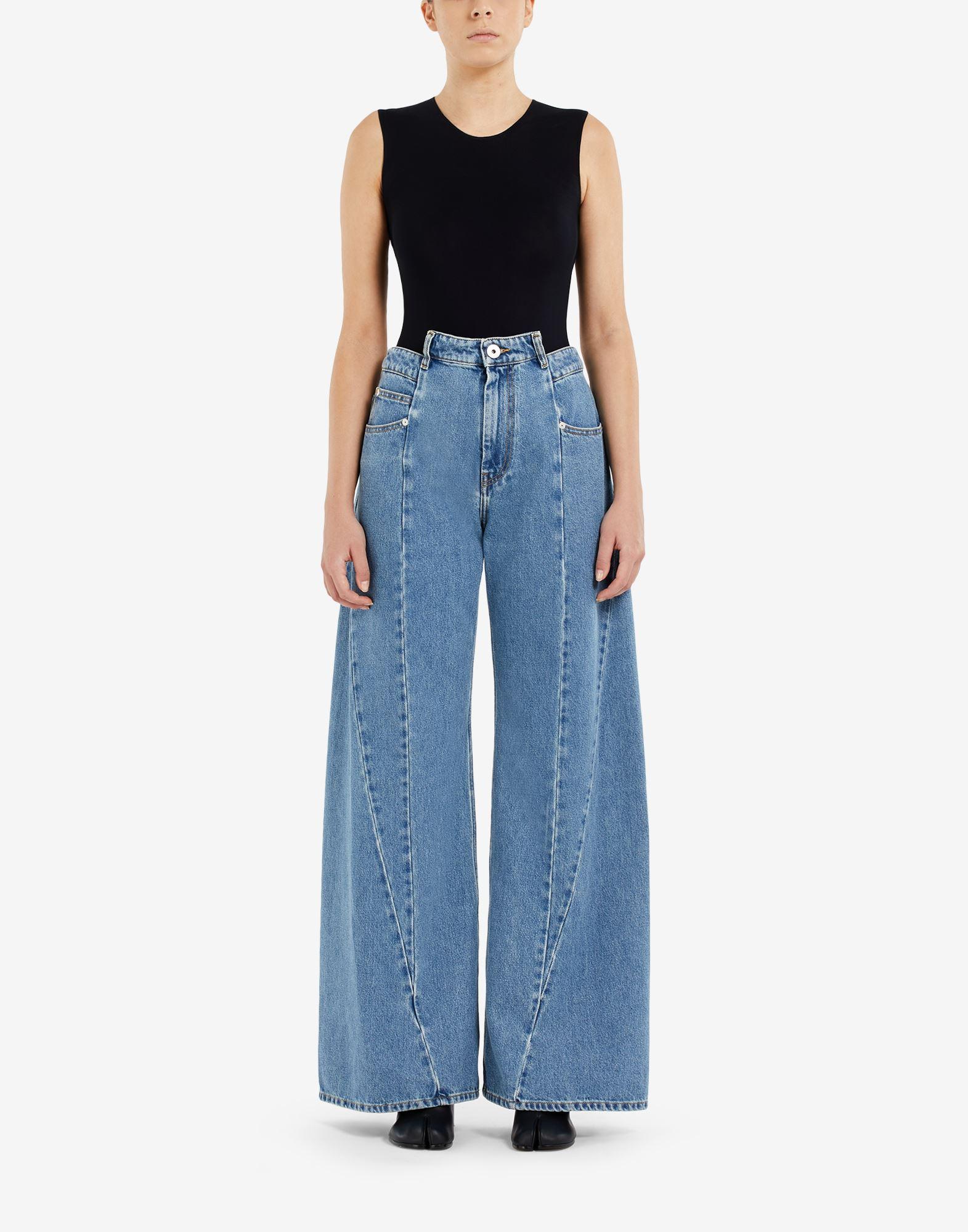MAISON MARGIELA Pantalones de pernera ancha con diseño asimétrico decorticado Pantalones vaqueros Mujer r