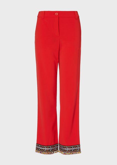 Pantalones de tricotina técnica con bordado de abalorios en el bajo