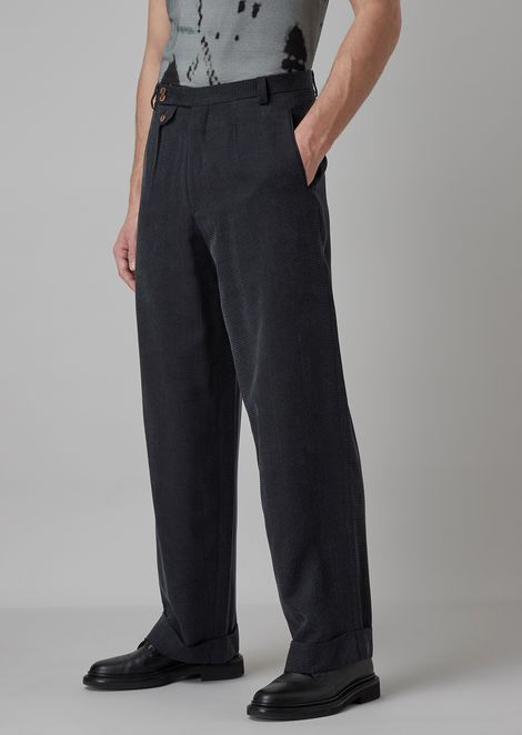 Oversized pants in enzyme-treated patterned cupro serge