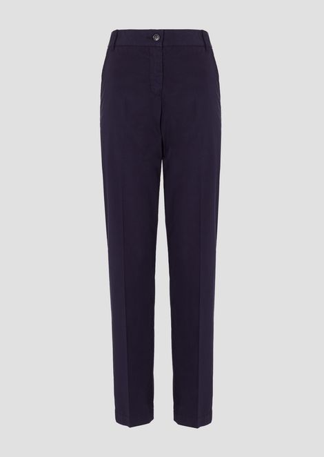 Chino pants in garment-dyed cotton muslin