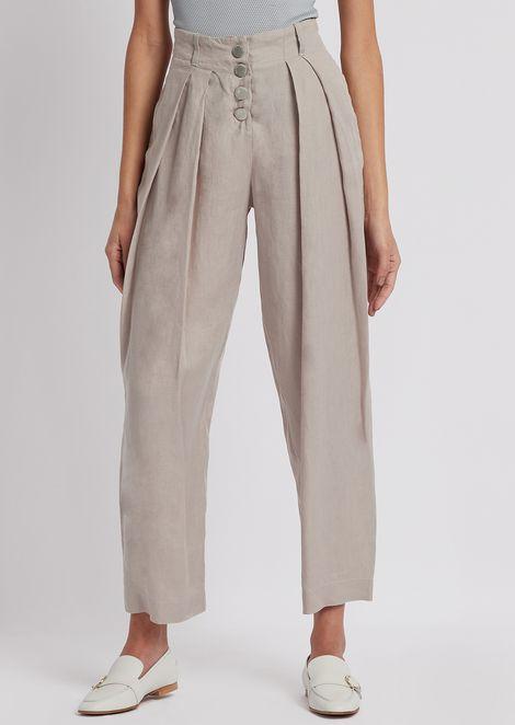 Pantaloni in lino a fondo corto con sfondopiega