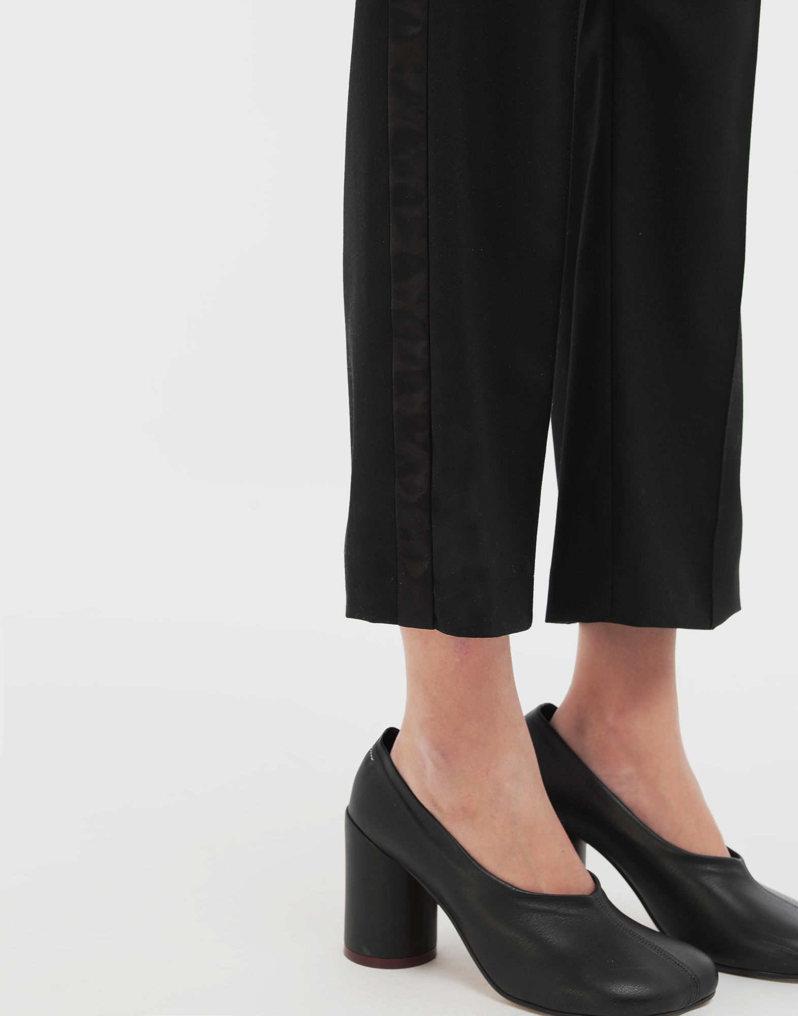 MM6 MAISON MARGIELA Trousers with belt Trousers Woman b