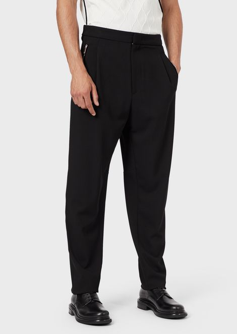 Trousers in stretch gabardine with darts