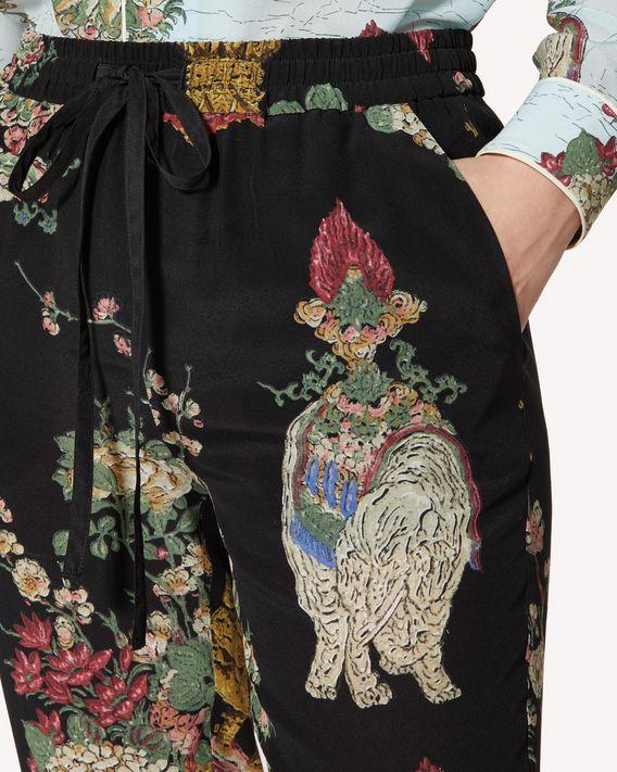 REDValentino Pantaloni in seta stampa Lacche Cinesi