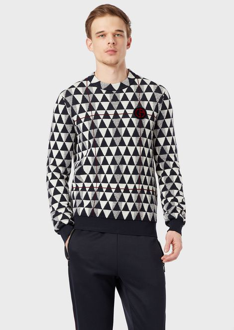 Jacquard sweater with triangle motif and crest