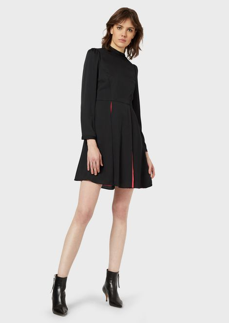 Crêpe dress with contrasting pleats