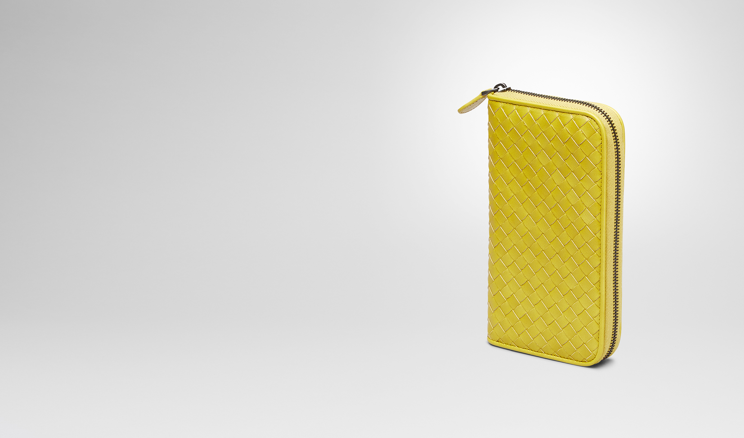 BOTTEGA VENETA Zip Around Wallet U New Chartreuse Intrecciato Vn Zip Around Wallet pl