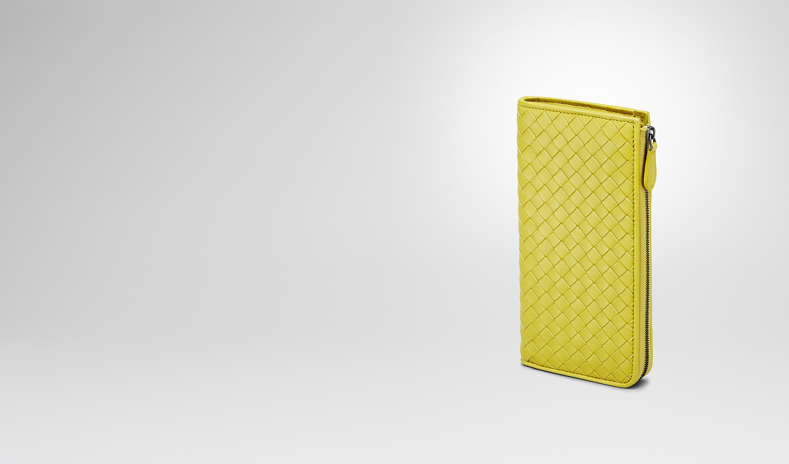 BOTTEGA VENETA Zip Around Wallet D NEW CHARTREUSE INTRECCIATO NAPPA ZIP AROUND WALLET pl